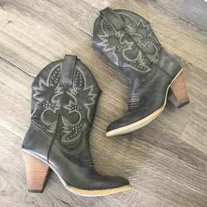 Very Volatile cowgirl boots faux leather mid calf